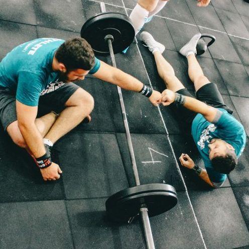 別一個人上健身房了!擁有健身夥伴的3個好處!