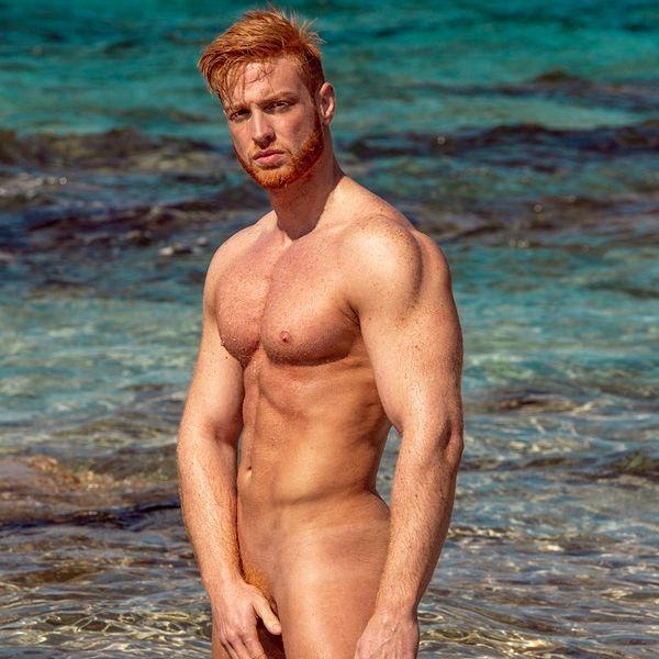 紅髮肌肉男2020月曆再次推出!一起向霸凌說不!