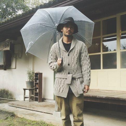 日本男生營造好感印象的關鍵!不挑人都能駕馭的「針織外套」穿搭